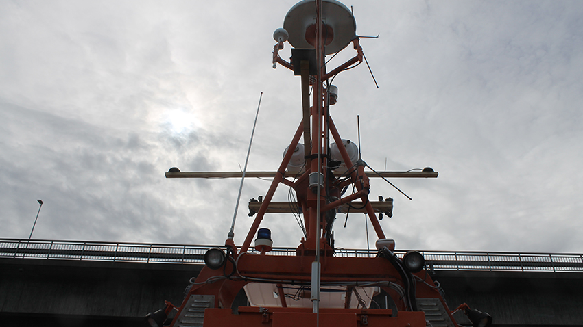 Enhanced shipborne navigation with VDES
